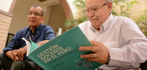 César Picón presentó un nuevo libro